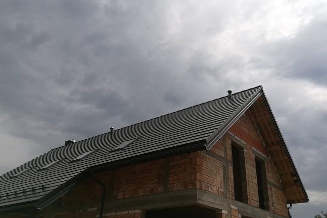 Braas- płaska dachówka cementowa Teviva. Nowa realizacja Nexmar tym razem w Ignatkach