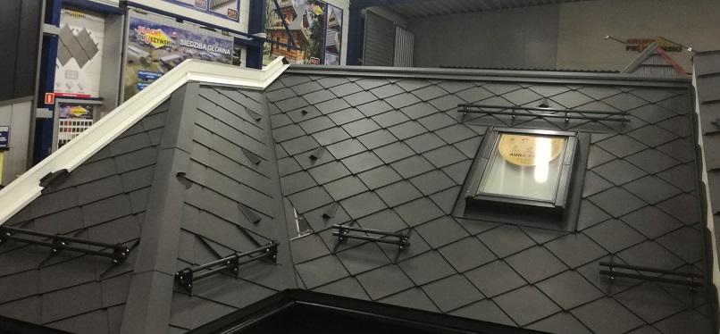Płotki rurowe z aluminium- montaż pokazowy naszych produktów w firmie Pruszyński