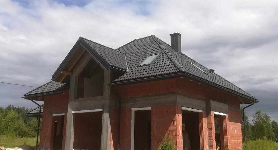 Dachy Białytok Nexmar- Skład Braas Dachówka Bałtycka Grafit – Dach w Karakulach