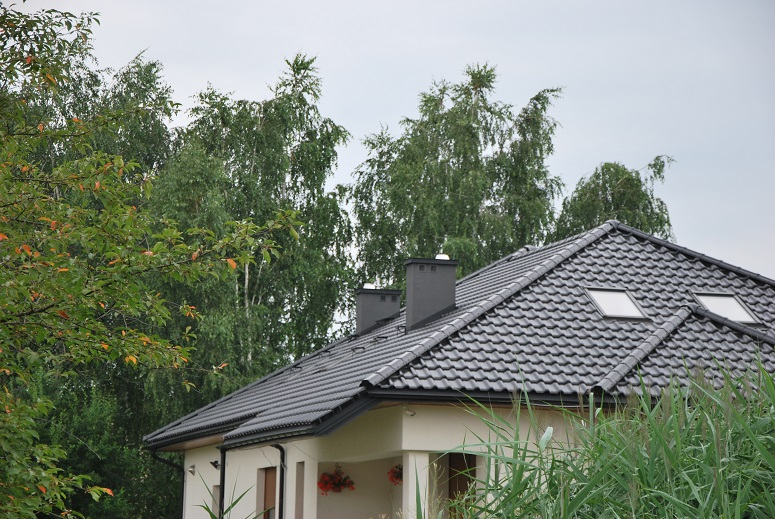 Dachy Choroszcz Nexmar – Creaton Titania Dachówka Ceramiczna w Kolorze Czarnym